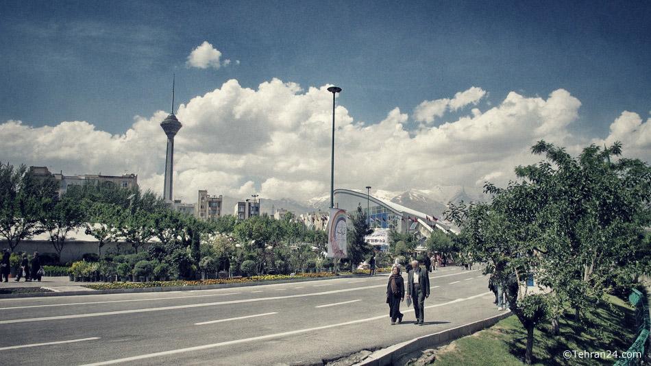 Tehran, Goftegoo park
